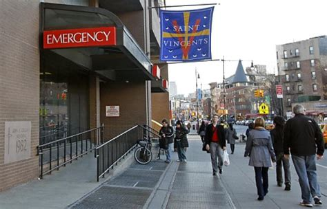 st vincent hospital emergency room st vincent s hospital in manhattan closed on verge of bankruptcy ny daily news