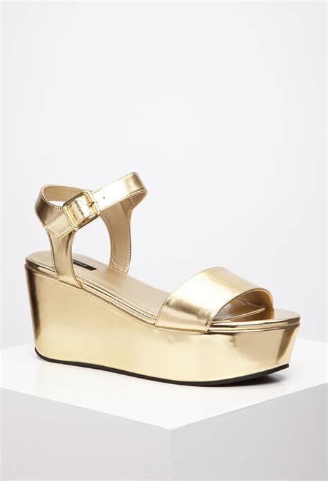 metallic flatform sandals forever 21 metallic flatform sandals in metallic lyst