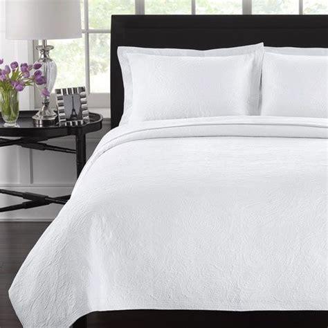 white coverlet queen simone white full queen coverlet master bedroom pinterest