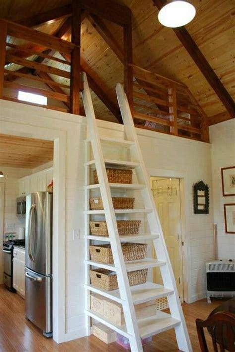 t駘騅ision pour chambre les 25 meilleures id 233 es concernant chambre avec plafond