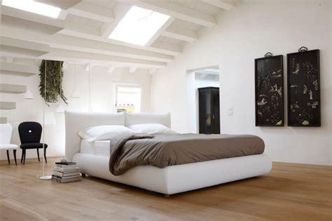 schwebetürenschrank mit schubladen coole wohnzimmer