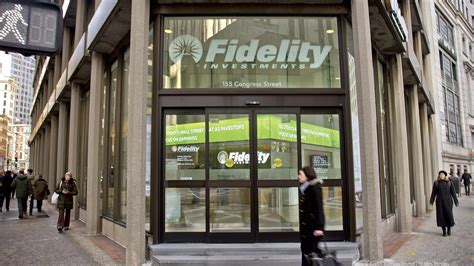 Fidelity Offices In Nyc by Goldman Sachs Deal With Fidelity Gives It Access To More