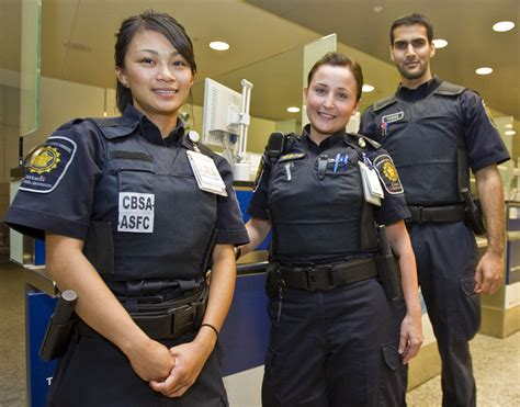 Golf Auto Body Racine by Students Guard Canada S Borders Toronto Star