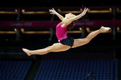 ginnastica artistica pavia spaccata di ritmica e spaccata di artistica differenza