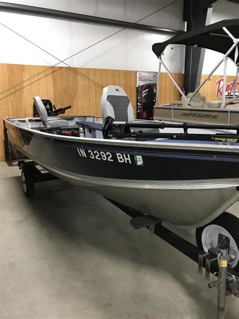 lund bass fishing boats home moore boats in ligonier in bass fishing and