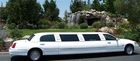 Car Limo by Lincoln Town Car Limousine Photos Reviews News Specs