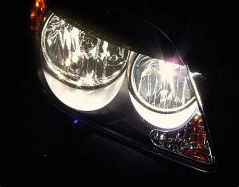 Halogenscheinwerfer Auto by How To Replace A Burned Out Halogen Headlight