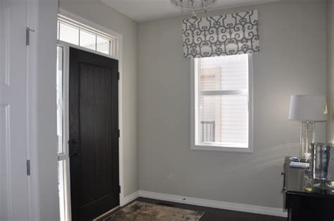 help choosing light wall colour with antique white glidden trim