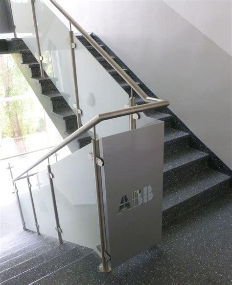 treppengeländer edelstahl glas treppengel 228 nder metallwerkstatt j 246 rg otto