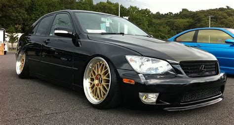 toyota altezza vs lexus is300 toyota altezza lexus is300 slammed on gold bbs lm