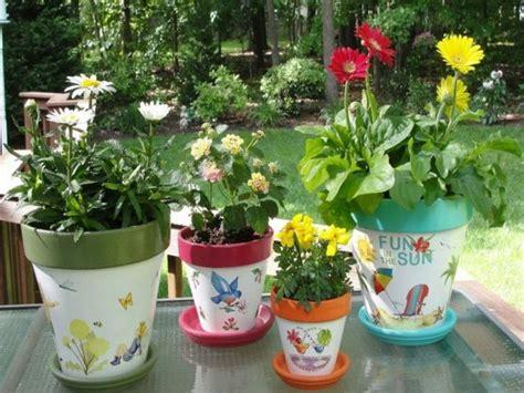pot de fleur terre cuite parfait pour la deco de jardin