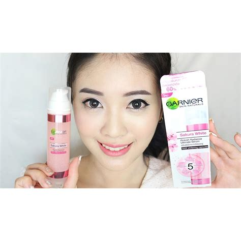 Pelembab Garnier Spf set garnier white pinkish radiance ultimate serum whitening day spf 21 elevenia