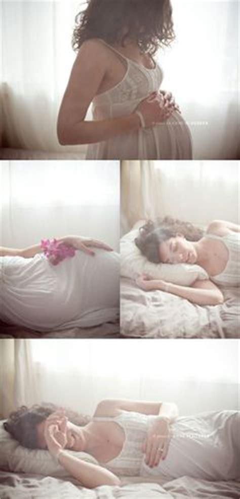 bedroom maternity photos bedroom photography poses design ideas boudoir shoot