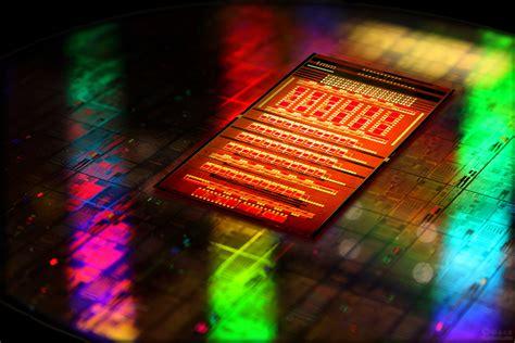 photonic integrated circuit intel ibm开发光互联芯片 intel质疑效率不足 ibm 光互联 硅光子 纳米光子 cmos集成硅纳米光子 intel 驱动之家
