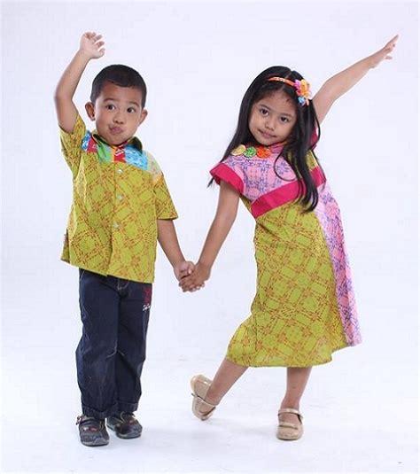 Pakai Baju Nak Dalam permintaan tinggi bisnis baju batik anak kian prospektif