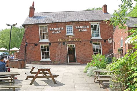 crooked house the crooked house of himley amusing planet
