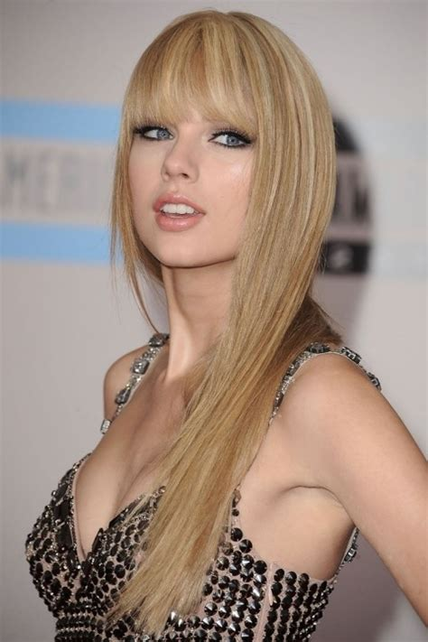 pictures of taylor swift with straight hair and bangs and bob holy crap taylor swift with straight hair is kinda