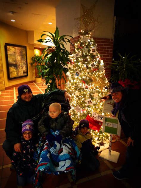 christmas tree atlanta family with pediatric brain tumor tree atlanta festival of trees 1 2 travel dads