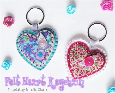 pattern keychain felt felt heart keychain or brooch tutorial handmade cuddles