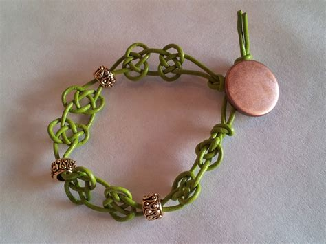 how to make celtic knot jewelry celtic knot bracelet tutorial the tamara