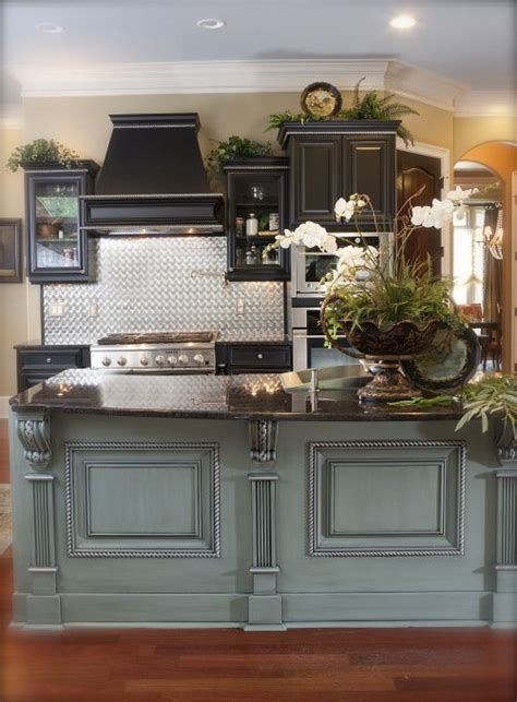 Kitchen Island Colors by Best 10 Black Kitchen Island Ideas On Pinterest