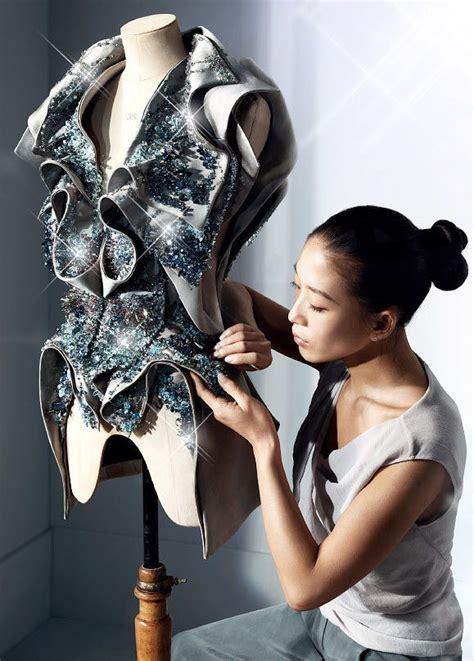 draping in fashion yin yiqing receives haute couture appellation senatus