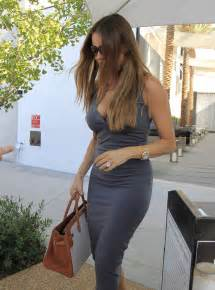 sandra vergara lou sofia vergara in grey dress shopping 14 gotceleb