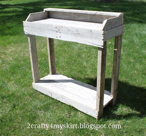 hometalk 6 simple tips on finding free pallets and reclaimed materials hometalk easy pallet ideas marty s musings s