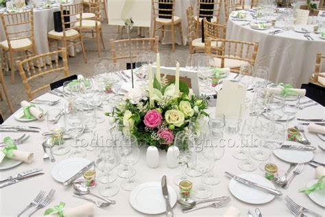 wedding table flower centerpieces uk wedding reception flowers decorations and centrepieces by todich floral design ltd