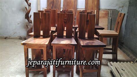 Kursi Meja Bar Trembesi Solid Meja Cafe Trembesi Solid kursi bar kayu trembesi jepara jati furniture