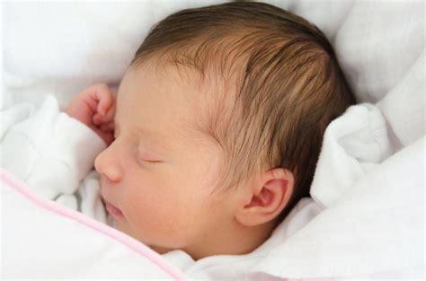 cuantos dias el bebe recien nacido empieza a ver auto design tech 16 rarezas del beb 233 al nacer crecer feliz
