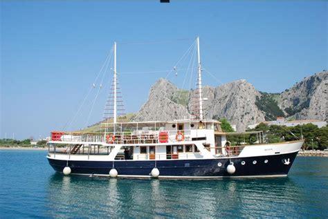 aquavision glass boat catamaran umag gite in barca da umag fish picnic brioni venezia