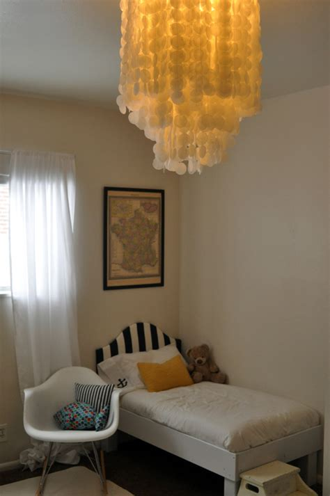 how to make your room beachy how to make a beachy chandelier totally it