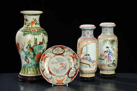 vasi antichi cinesi lotto conposto da coppia di vasi cinesi piatto e altro