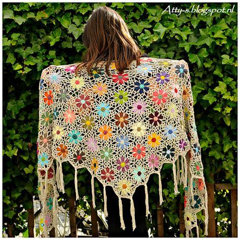 Pashmina Motif Flowers 1 crochet patterns galore catona flower shawl