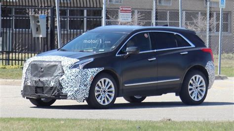 2020 Cadillac Xt5 Pictures by 2020 Cadillac Xt5 Spied Showing Some New Design Cues