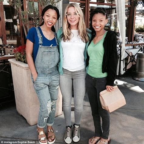 chloe and halle bailey feet beyonce signs three teen singers to 1 5m contract to