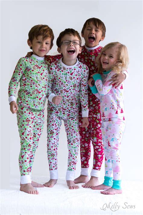 Pjhb85864 Pajamas Hug A Baby diy pajamas sew pajamas with this free pattern
