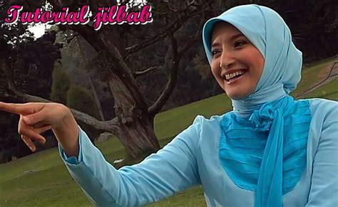 tutorial hijab inneke koesherawati mewabahnya trend hijab dari kalangan artis tutorial