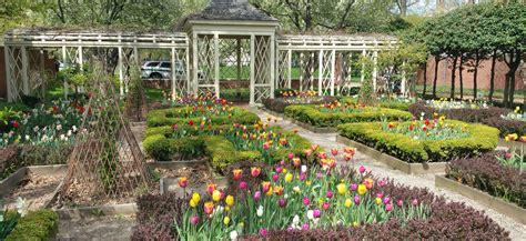 philadelphias secret gardens  parks wheretraveler
