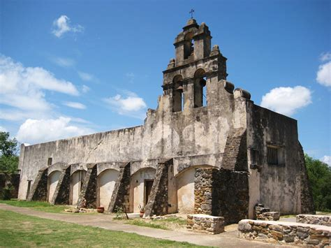 Charming Spanish River Church Concerts #2: San_Antonio_Mission_opt.JPG