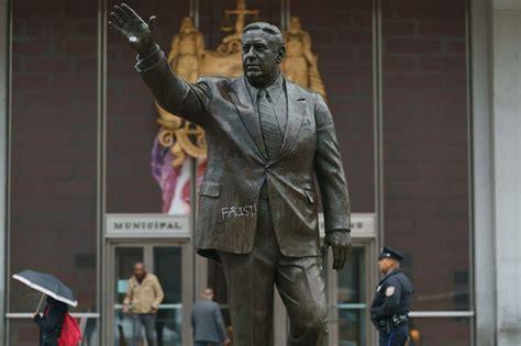 philadelphia mayor frank rizzo statue vandalized