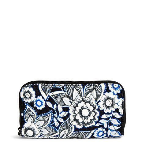 Vera Bradley Gift Card Online - vera bradley rfid georgia wallet in snow lotus moms priority