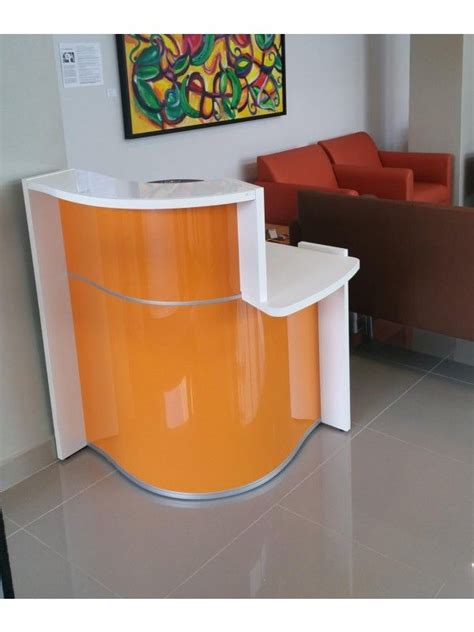 Small Office Reception Desk The 25 Best Small Reception Desk Ideas On Salon Reception Area Office Partitions