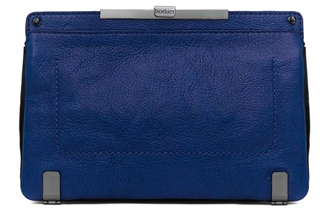 Snag A Clap Clutch Review snag a botkier bag for everyone on your shopping list
