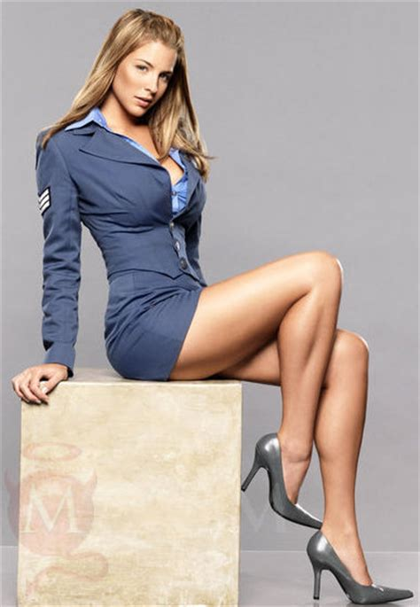 imagenes upskrit girl with the most fantastic legs gustos pinterest