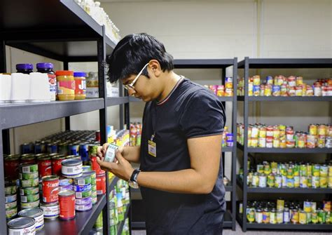 a dozen ohio colleges food pantries to help students