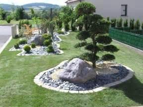 Impressionnant Idee De Massif De Jardin #8: Amenagement-massif-mineral-gazon.jpg