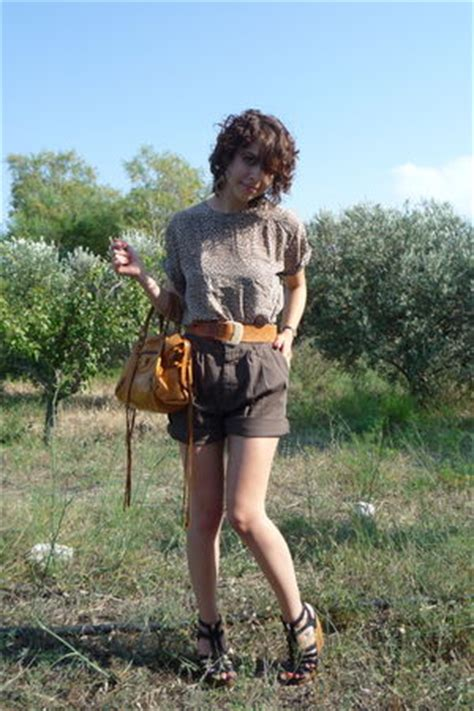 Balens Top brown thrifted tops cargo shorts brown vintage belts black shoes balens quot safari