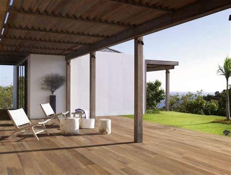 pavimenti per esterni finto legno pavimento in finto legno per esterni soluzione di stile e